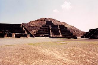 Photo: #001-Teotihuacan - La pyramide de la lune. Hauteur: 43m