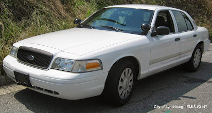 Photo: Lot 21 - (3147-1/3) - 2010 Ford Crown Victoria - 100,877 miles