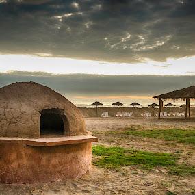 Beach Clay Oven by Fico Stein Montagne - Buildings & Architecture Other Exteriors ( clay, playa, horno de barro, beach, barro, nikon d7000, horno, clay oven )