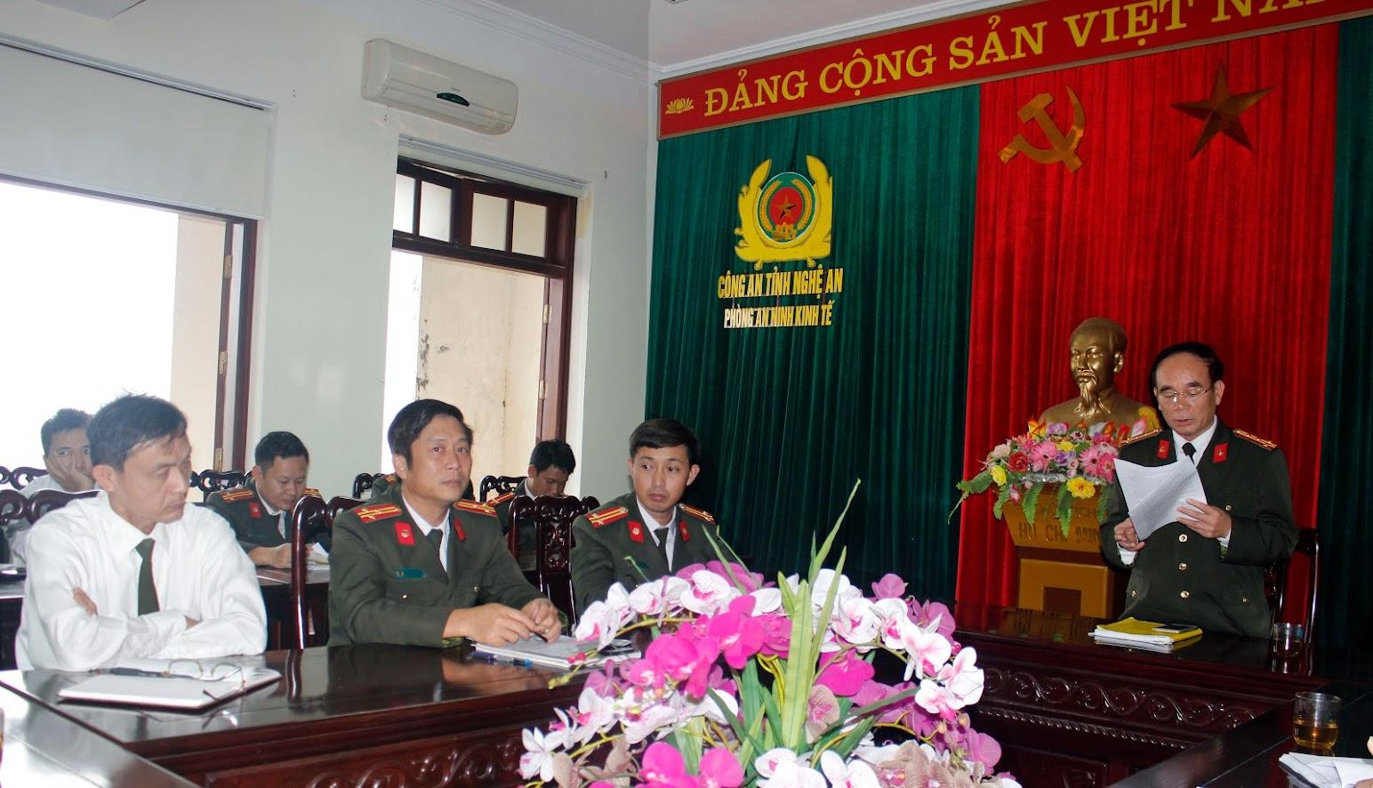 Đại tá Ngô Xuân Đề, Truởng phòng An ninh Kinh tế phát biểu tại lễ phát động