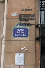 Photo: Street art - Space invaders - Paris IVe- Place de la Bastille