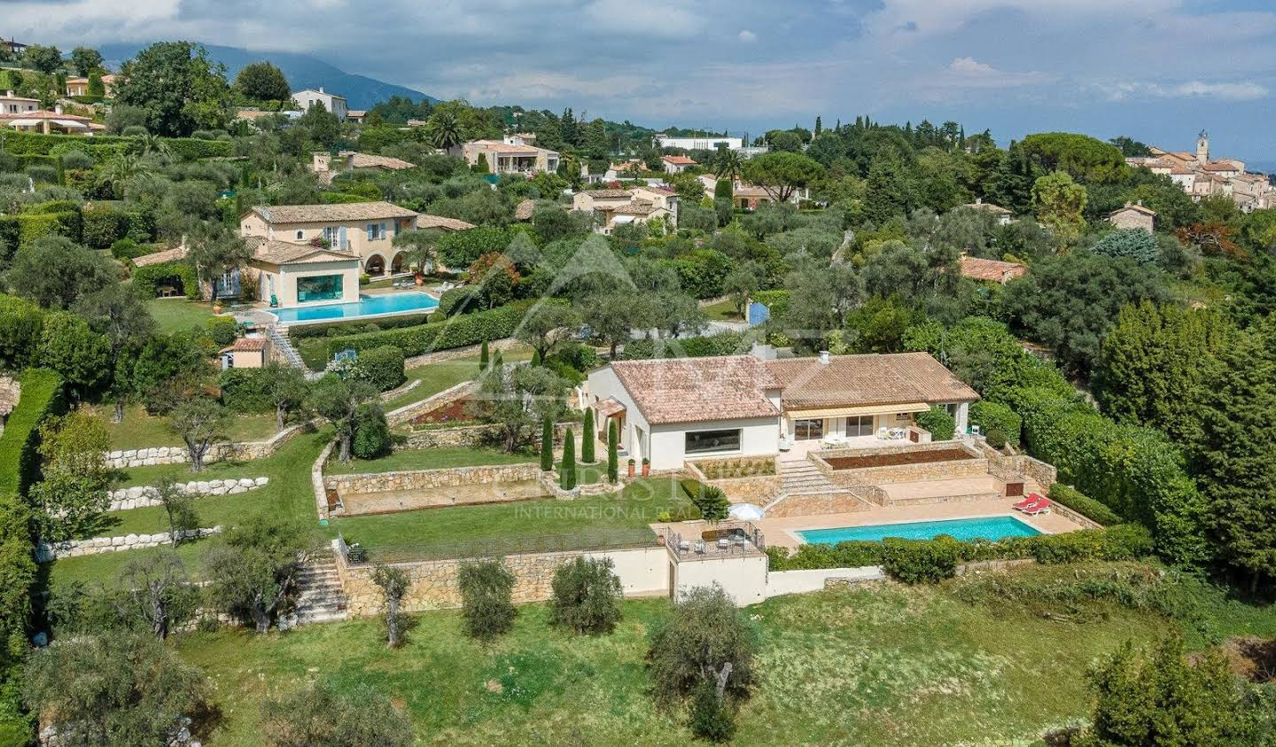 Villa with garden and terrace Châteauneuf-Grasse