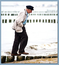Photo: alter Mann am Meer