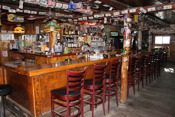 10 Things You Should Know About Great Dive Bars
