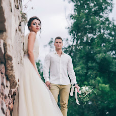 Wedding photographer Karina Burluckaya (Kari). Photo of 26.08.2017