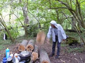 Photo: Кудлай бросает бревно. Бревно в полете