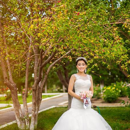 Wedding photographer Elena Smetanina (ElenaS88). Photo of 19.10.2016