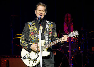 Photo: Chris Isaak at Sound Board 2016