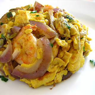 Shrimp Omelet/Stir-fried Eggs with Red Onions and Shrimp