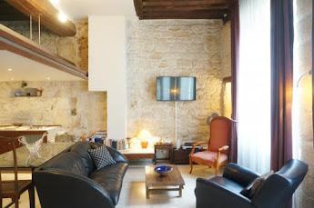 ile saint louis apartments sitting room