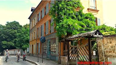 Photo: La vallée aux Loups, un environnement verdoyant et magnifiquement préservé au sud de Paris - Guide de balade à vélo de Sceaux à Meudon par veloiledefrance.com