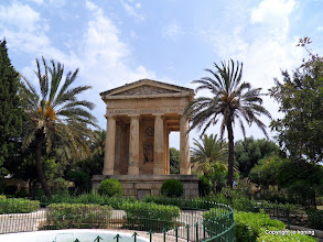 Photo: Valletta. Lower Barracca Gardens.  http://www.loki-travels.eu/