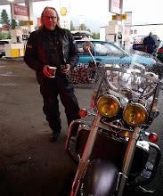 Photo: Bjerkvik'in Shell. Jos tankkasit V-Poweria, sait ilmaiset pullakahvit. No perhana! Mainiota.