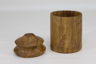 """Photo: Elliot Schantz 4"""" x 3"""" box [oak]"""