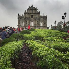 Ruins of Saint Paul Cathedral, Macau .....🇲🇴 by Leyon Albeza - Instagram & Mobile iPhone ( macau, macauchina, ruins, architecturephotography, architecture, travel, travelphotography, travelgram, iphonography, leyonalbeza_photography, tourist )