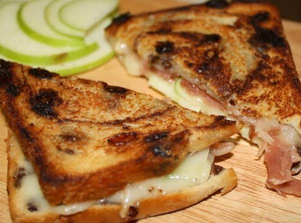 Brie, Apple, And Prosciutto Grilled Cheese
