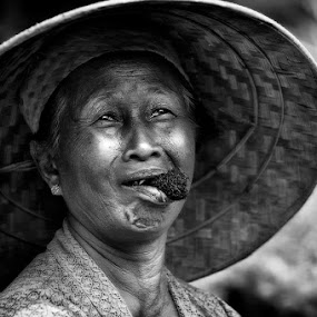 smile face by Arief Siswandhono - People Portraits of Women