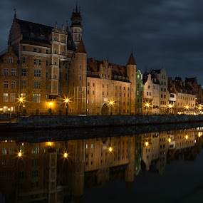 Gdansk Waterfront by David Guest - Buildings & Architecture Public & Historical ( gdansk, night, crane, poland, motlava )