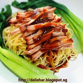 Crockpot Char Siew Pulled Pork Noodles.