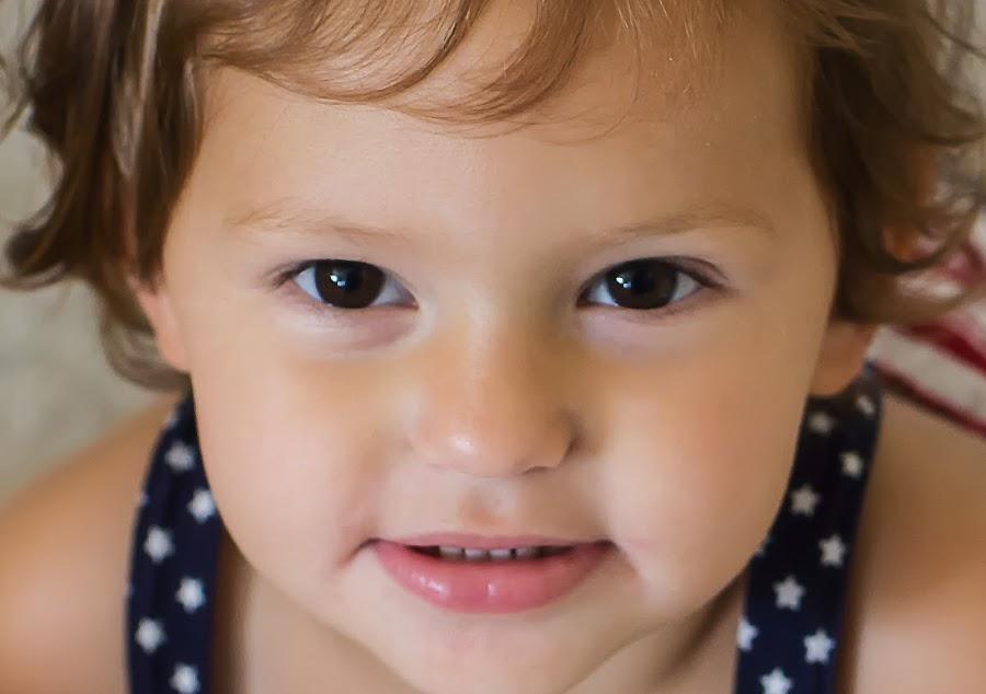 Beautiful Eyes by Mike Zegelien - Babies & Children Child Portraits ( toddler, girl, portrait, eyes, child,  )
