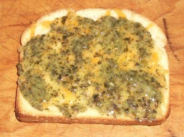 Cheesy Pesto Toast Recipe