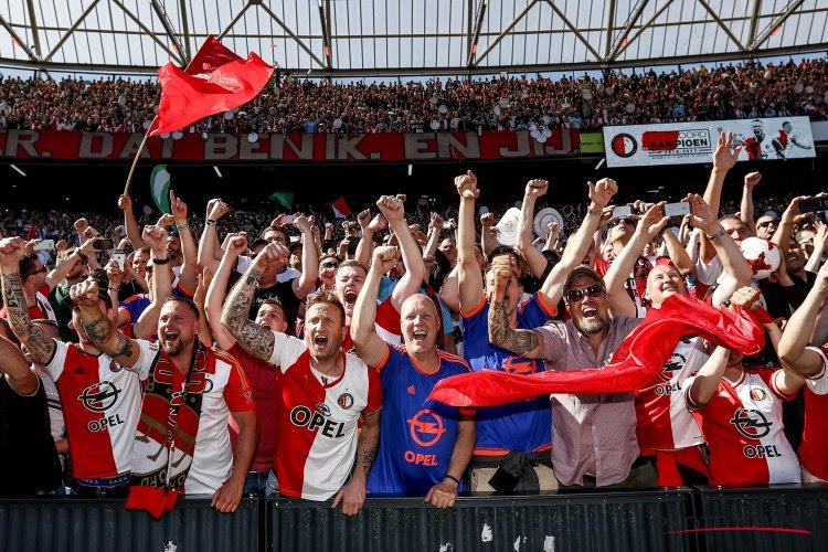 """Uitnodiging voor supporters? """"Politievakbond vraagt om te staken tijdens klassieker Feyenoord-Ajax"""""""