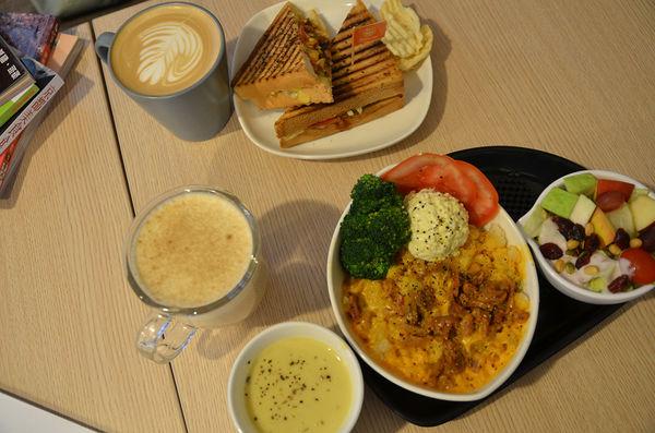 新光三越中山店&火車站周邊好吃的帕尼尼@Panino cafe'北門店(二訪)