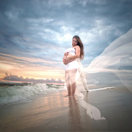 by Terri Cox - People Maternity