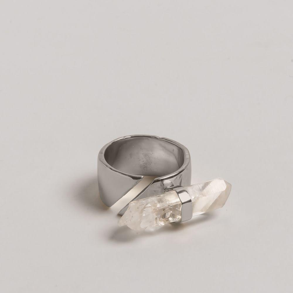 Cornelia Webb, bred silverring med bergkristall