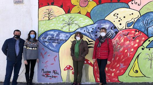 Más de 170 mujeres hasta la fecha en los talleres Carmen de Burgos