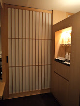 Photo: A-MAZING The Capitol Hotel Tokyu. THIS is what I see when I enter the room.