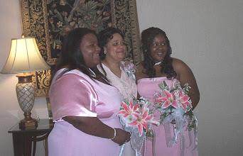 Photo: Taneya, Sabrina & Kelli