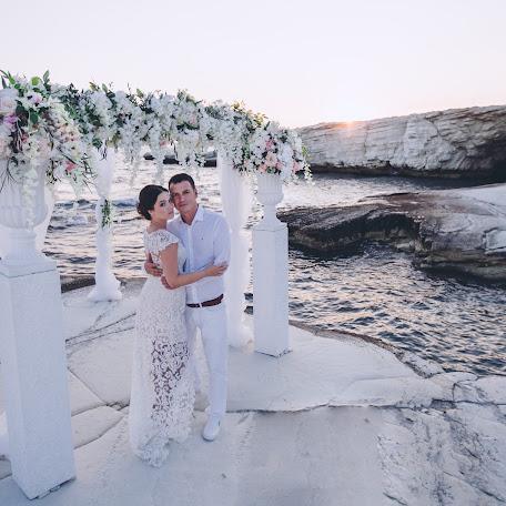 Wedding photographer Elena Kakurina (jelenaka). Photo of 08.10.2017