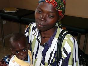 Photo: le paludisme, mais aussit le sida font des ravages