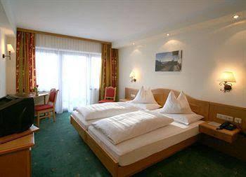 Hotel Tiroler Adler