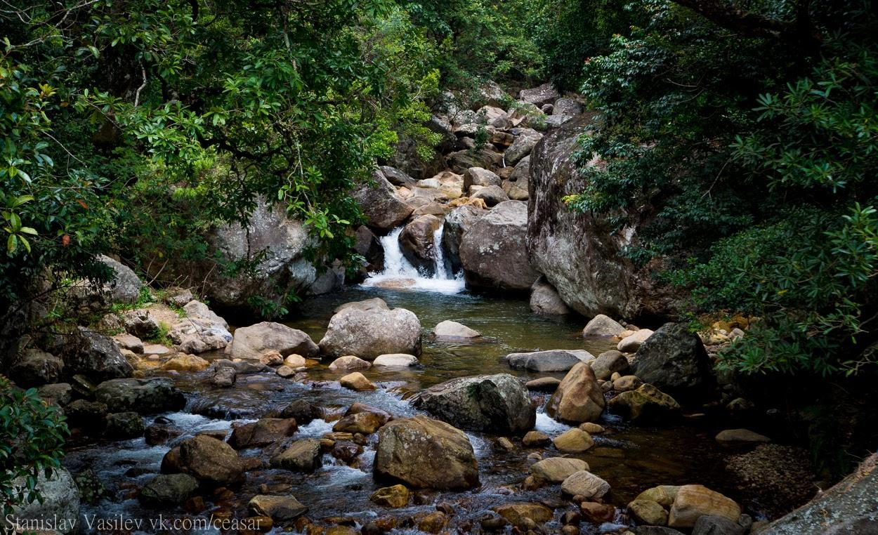Водопад на краю Хортен-Плейнс