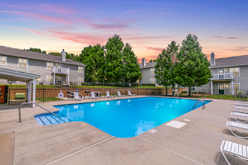 Go to Brentwood Apartments website