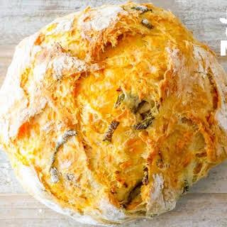 Easy Jalapeno Cheddar Bread.
