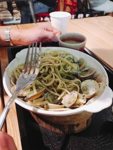 海鮮青醬意大利麵每條麵都吸滿醬汁,真心推