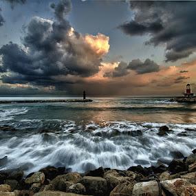 Il respiro del mare by Gianni Izzo - Landscapes Waterscapes ( mare, fari, rome, onde, sea, nettuno, , World, Beauty, Beautiful, Representing, Special, landmark, travel )