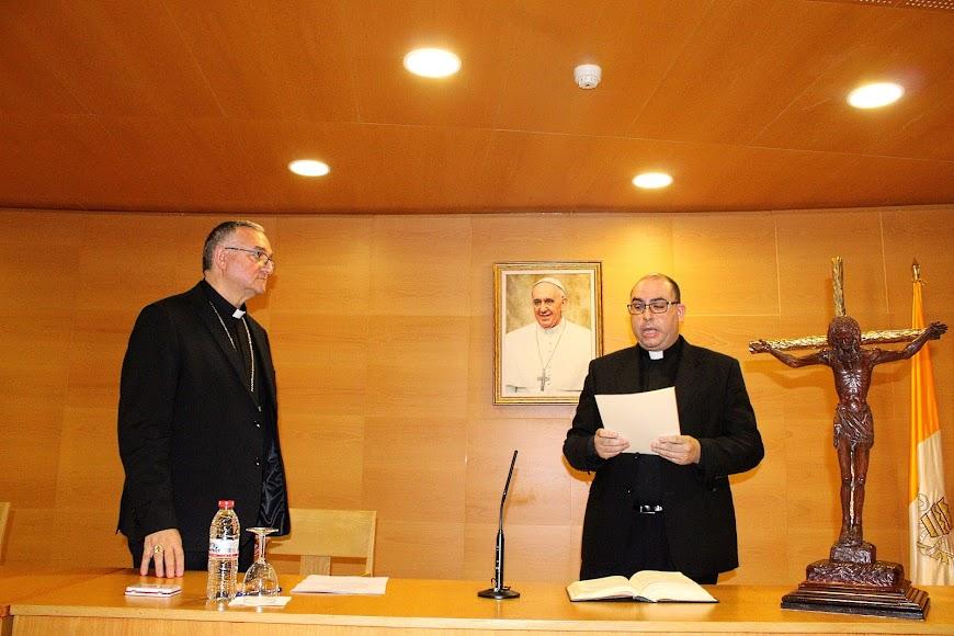 Juramento del canciller secretario general ante el obispo coadjutor.