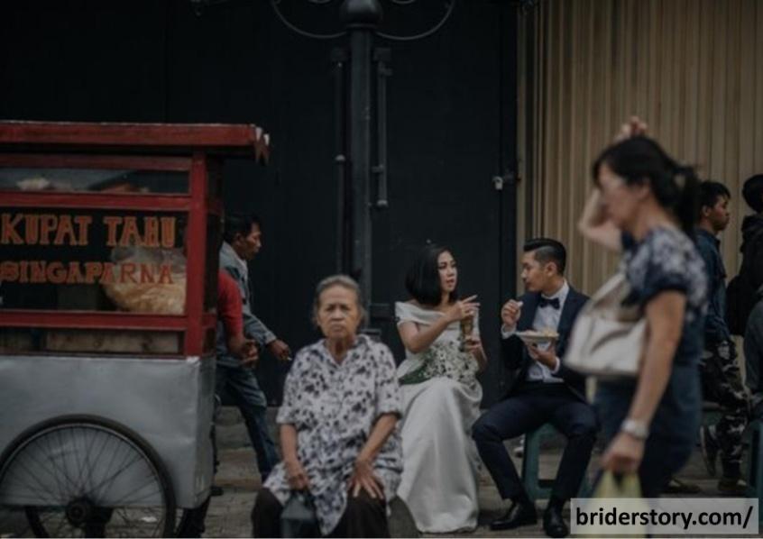 hipwee-sesi-foto-pre-wedding-yang-seru-di-jalanan-kota-bandung-13-640x427.jpg