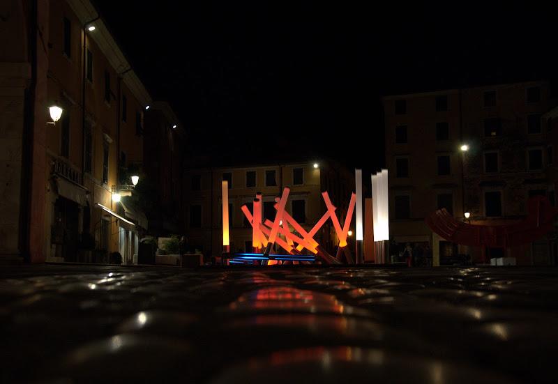 Installazione in piazza di Dama