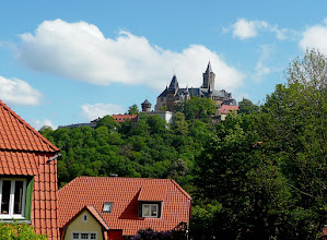 Photo: hoch über der Stadt die Burg Wernigerode