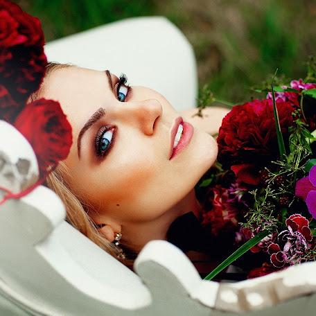 Wedding photographer Dmitriy Nikitin (GRAFTER). Photo of 13.06.2015
