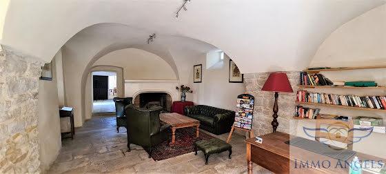 Vente maison 23 pièces 990 m2