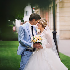 Wedding photographer Elena Strela (arrow). Photo of 10.09.2017