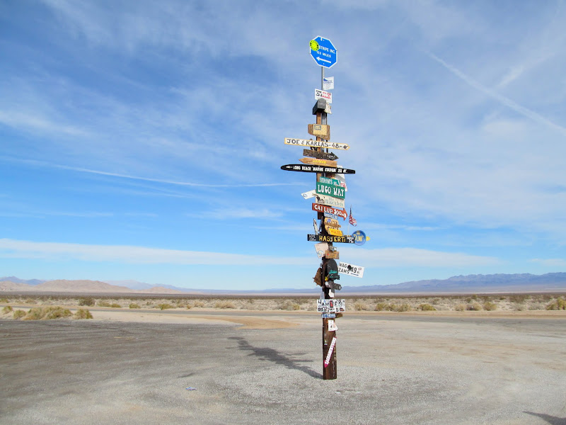 Photo: Signpost along Highway 62 in Ward Valley
