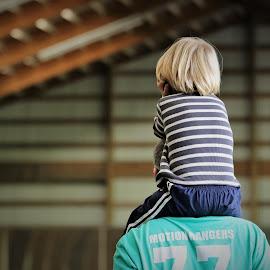 Just sitting here by William Case - Babies & Children Children Candids ( horse, play, children, barn, show, playing, child )