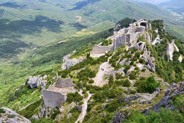 Chateau Cathare à l'est des Pyrénées.